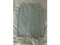 *BARELY WORN* Size 12 ladies stretchy pencil skirt