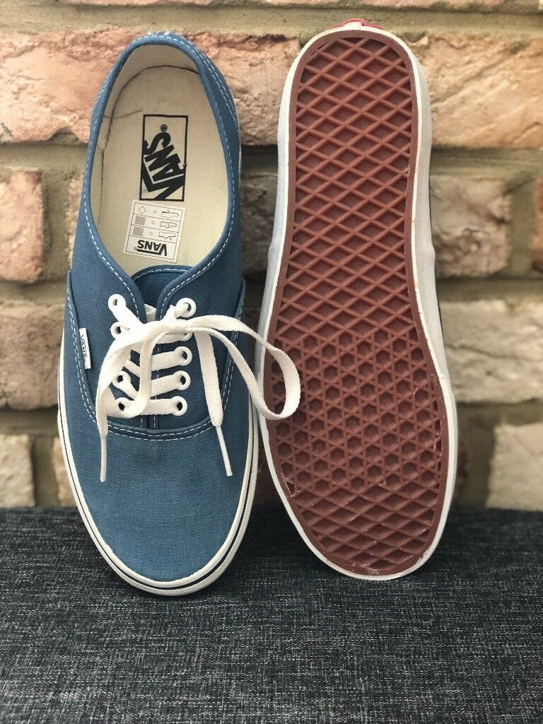 bcd86ab8e7 New Vans Authentic Shoes Navy Style  VEE3NVY Size  UK 9 25£