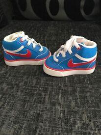Baby Nike trainers Like NEW