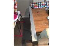 Handmade snooker cue and aluminium case
