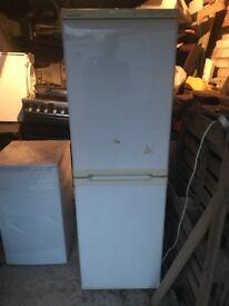 white beko fridge freezer can deliver £65