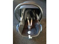 Maxi Cosi Cabriofix seat with Easy fix Isofix base