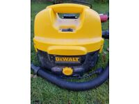 Dewalt vacuum hoover for battery and 230v