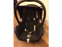 Maxi Cosi baby carries/car seat