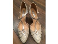 Wedding/occasion shoes: Rachel Simpson Gardenia - size 8/41, ivory/silver