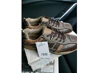 Gents size 8 casual shoes