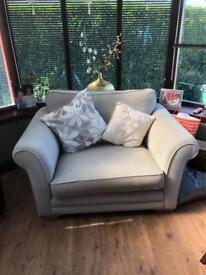 Snuggle chair * free furniture delivery *