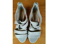 Clarks Beige Leather Sandals size 4.5