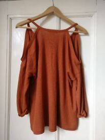 Women's size S top. £20. Perfect condition.
