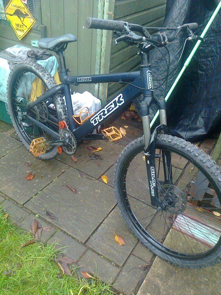trek bruiser bike for sale ,, nice bike ,,, cheap price ready to ride