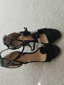 Ladie's Strappy Heels