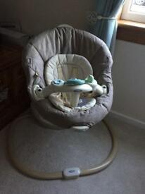 GRACO swing with newborn insert