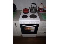 Montepellier four hob electric cooker