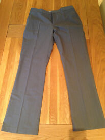 DKNY Smart Men's Grey Trousers (34R) (never worn)