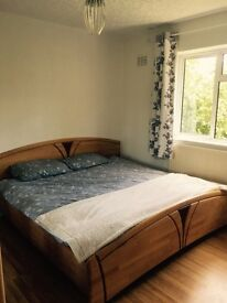 Large, Double Bedroom (Kingsize) to Rent