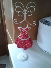 Mannequin jewellery stand