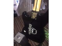 FENDER SQUIRE BASS GUITAR WITH AMP PADDED BAG STAND AND LEAD EXCELLENT CONDITION NORTH OFFERS