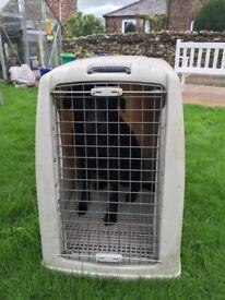 Argo 2 dog box