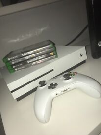 Xbox 1s Perfect Condition 4 Games 1 Controller