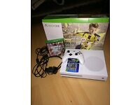 Xbox One S 1TB with controller, headset, Fifa 17, GTA V and extra batteries