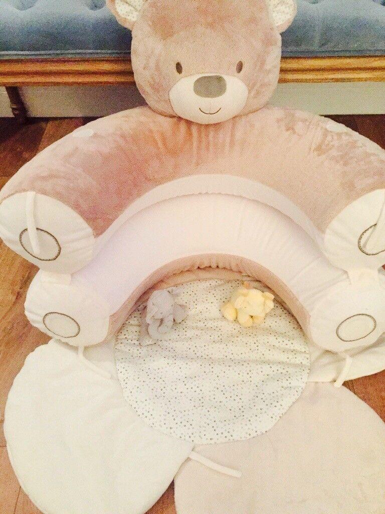 Teddy bear sit me up playmat