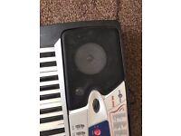 Gear4Music MK-2000 Electronic Keyboard