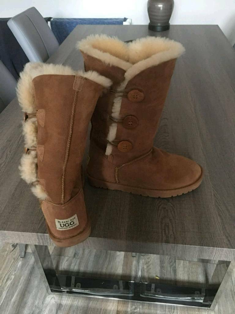 fc25fd1a0fc Real ugg boots only wore once size 5 £50 also size 6 silver shoe never been  worn £10 | in Belfast City Centre, Belfast | Gumtree