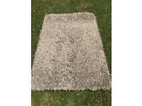 Quick sale: Designer rug 180cm x 100cm