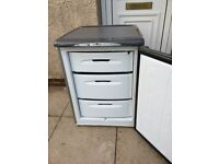 FROST FREE GREY GRAPHITE HOTPOINT ''FUTURE'' UNDERCOUNTER FREEZER IN EXCELLENT WORKING CONDITION