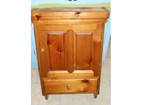 bathroom/bedroom cabinet