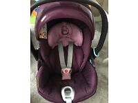 Cybex aton q car seat with isofix base !!