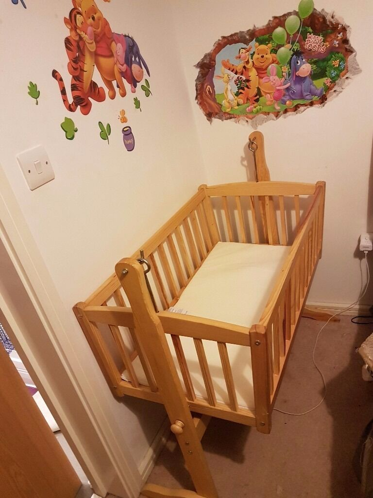 Leipold crib for sale - Swinging Crib With Mattress For Sale