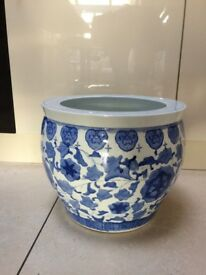 Beautiful Large Blue/White Flower Pot - As New