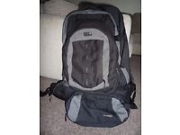 Versatile and comfortable 80+20L backpack with removable smaller packs