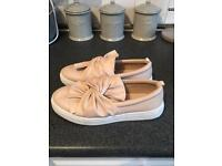 Ladies nude bow pump trainers uk size 5