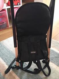 Portable high chair - minui handysitt.