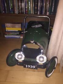 Child's vintage style pedal car