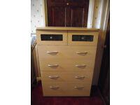 4 + 2 drawer light wood chest