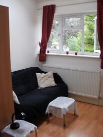 Short term double in modern 2bd flat near Uni and Hospitals (incl. bills) available 21/05/2017!