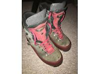 Meindl chainsaw boots size 9
