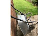 Wheelbarrow heavy duty