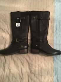 Ladies Brown Leather Boots Size 6 NEW