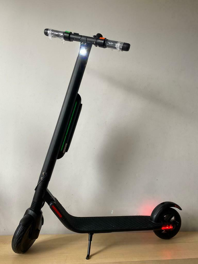 Electric scooter Segway Ninebot es4 rental edition with