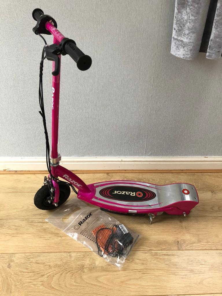 Razor E100 Electric Scooter *hardly used*