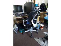 Staples Blade Mesh operator's chair