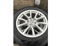 Audi Q5 Alloy wheels with good Tyres