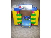 Duplo Lego Car Wash and accessories
