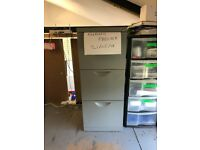 3 Drawer Metal Filing Cabinet w/lock