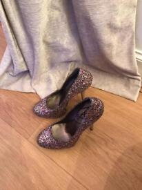 Gorgeous sparkling heels size 4