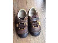 Clarks Boys Shoes Size 6.5E